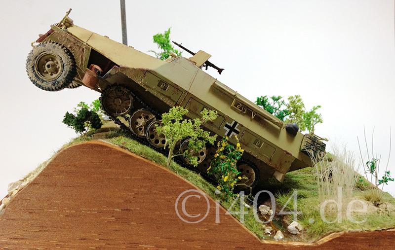 Sd.Kfz. 251/1 Ausf. D / 1:35 - Zuviel Schwung